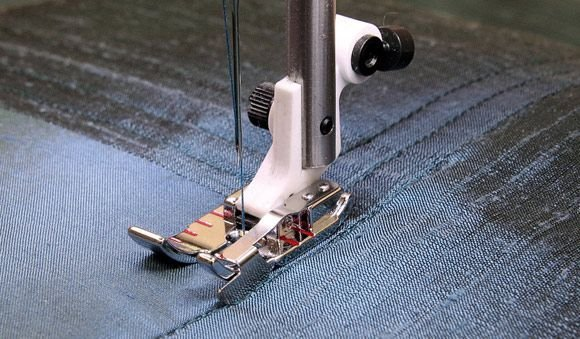 HV 1/4 Piecing Foot w/Guide