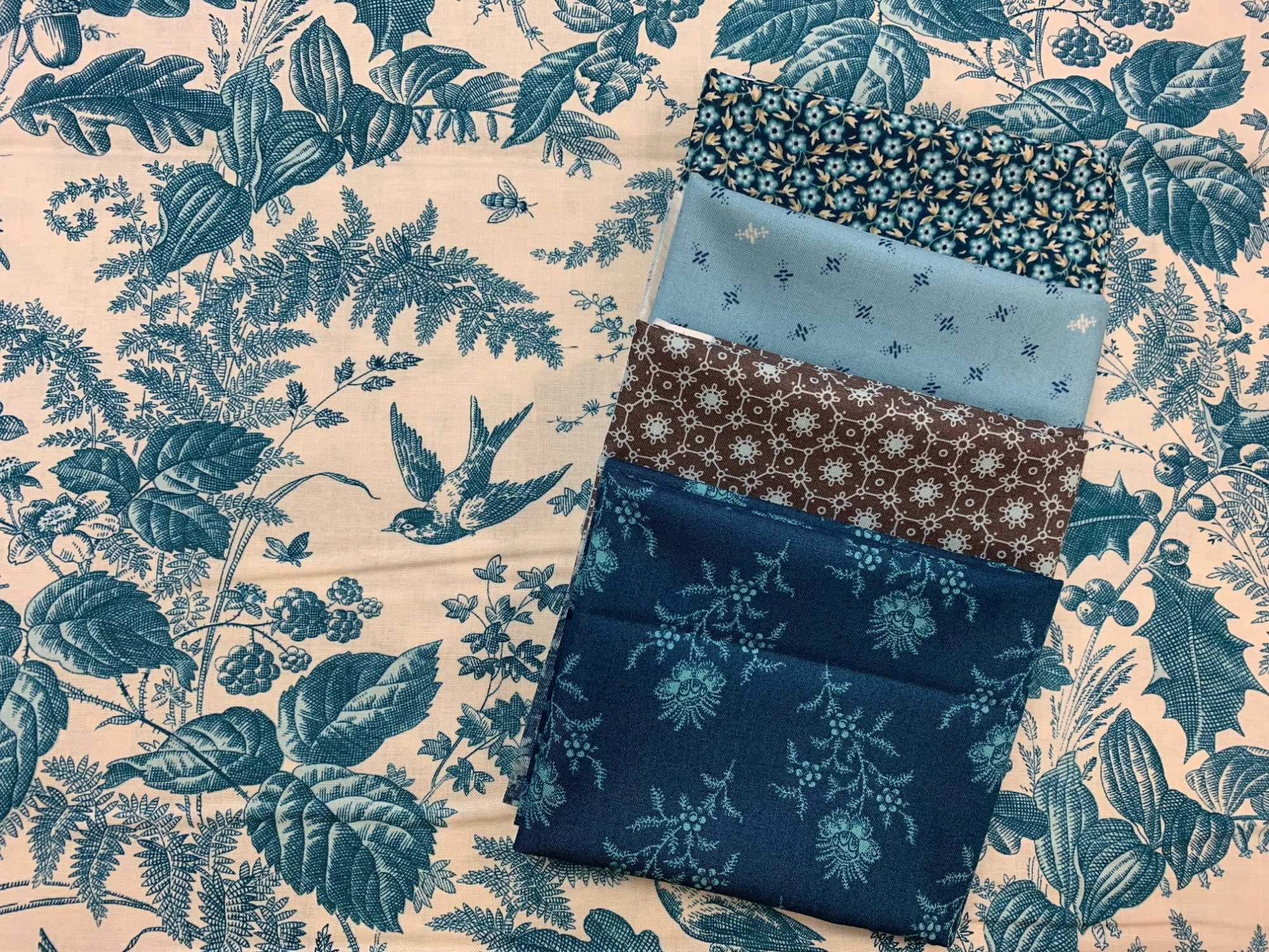 Royal Blue Bundle by Edyta Sitar for Laundry Basket Quilts - Includes 1/2 yard focus fabric and 4 FQ coordinates