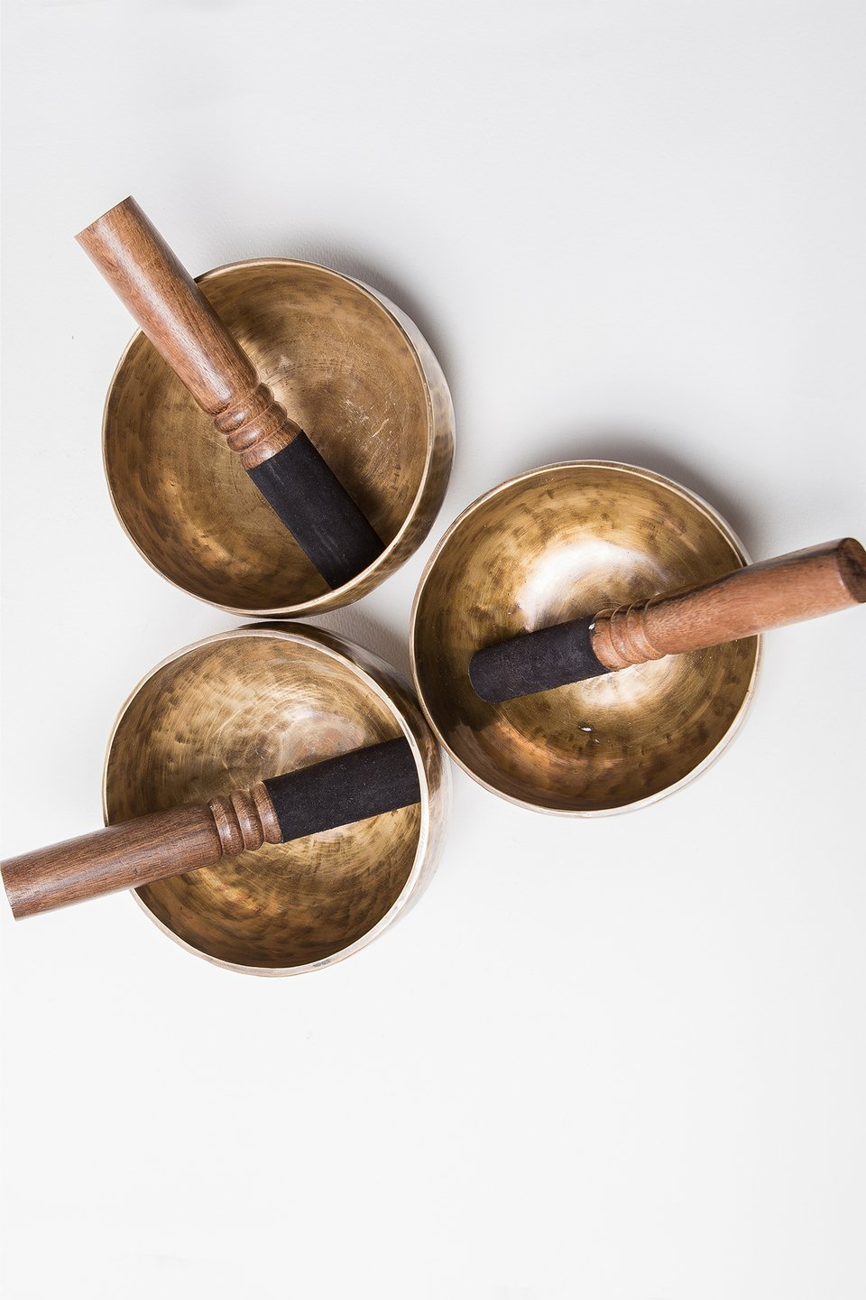 Singing Bowl 8 with Suede Mallet and Striker