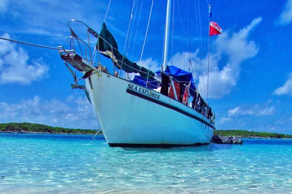 Blackbeard's Liveaboard - International Dive Trip