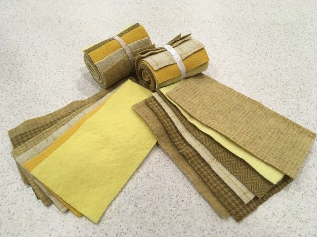 Wool 4x8 - Yellow/Gold Roll Up