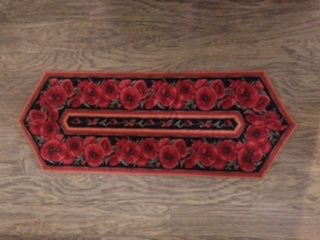 Poppies Table Runner Kit (Easy Striped Pattern)