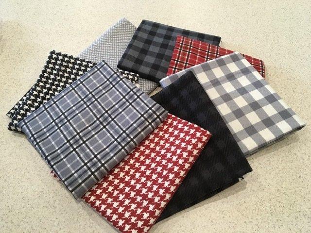 Yuletide Gatherings Grey Raggy Quilt Kit