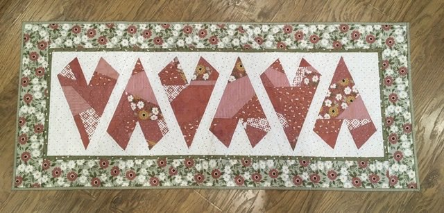Crazy Hearts Table Runner Kit - Folktale