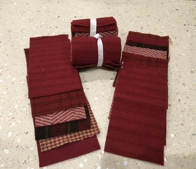 Wool 4x8 - Red Roll Up