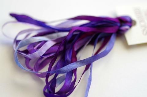 ThreadGatherer Silk Ribbon - V029 Grape Melange
