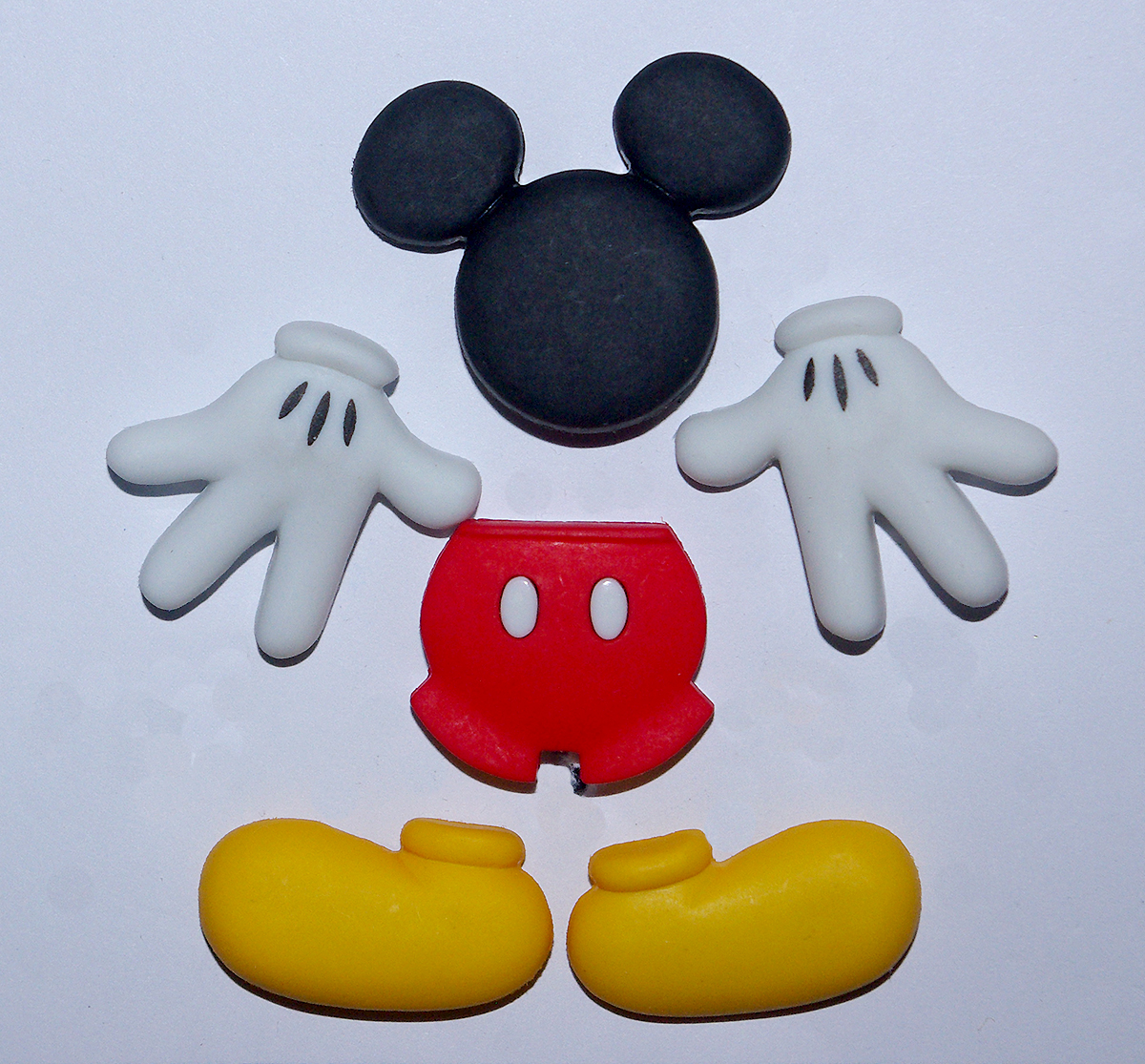Disney's Everything Mickey Button Pack - 7720