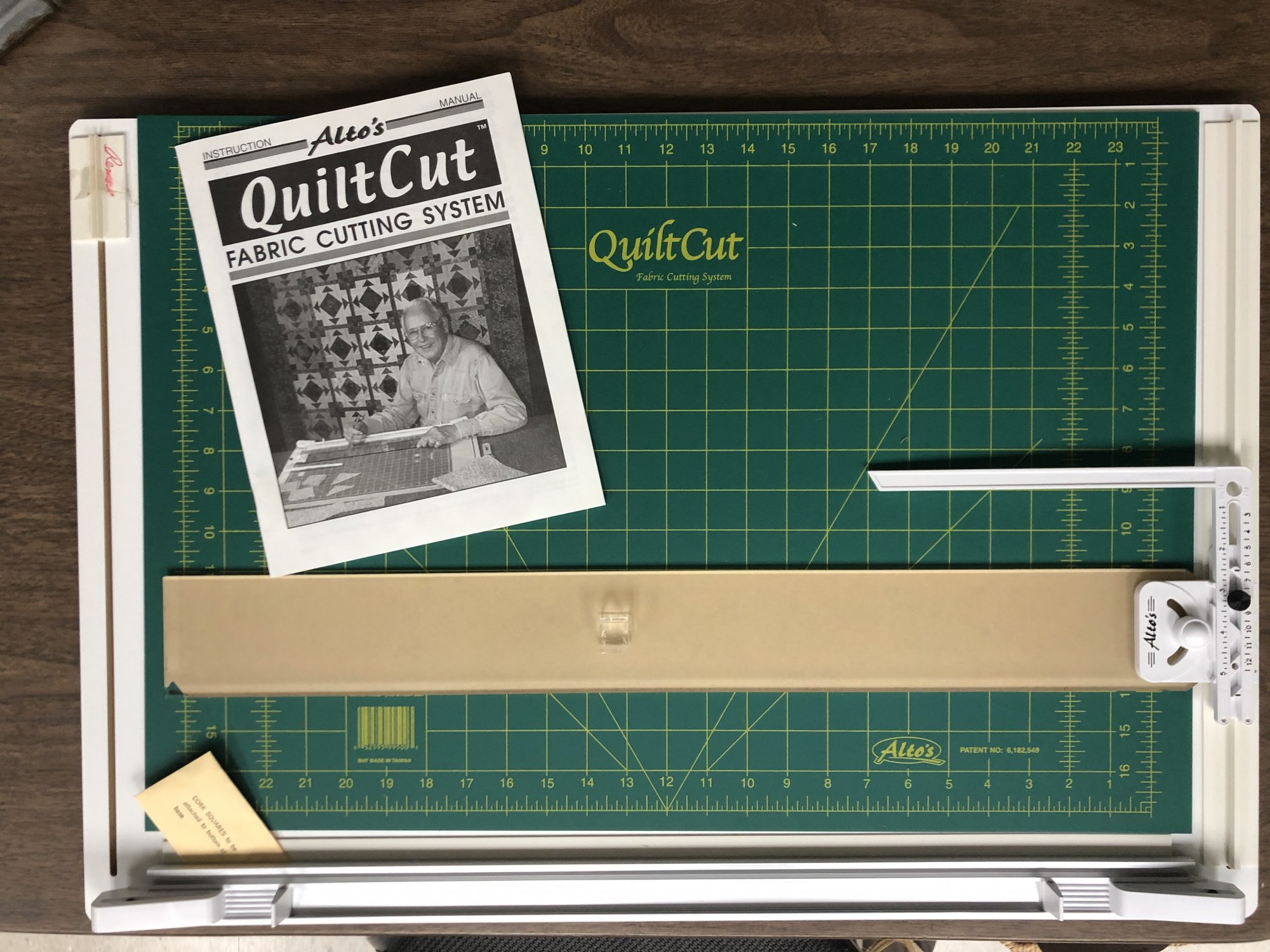 Alto's QuiltCut Fabric Cutting System