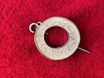 accessory pin