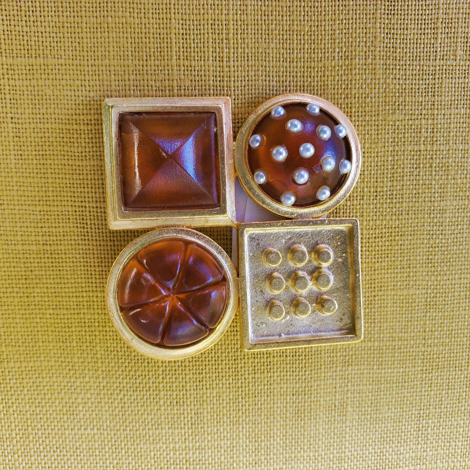 Amber and gold pin by Barbara Cieslicki-NN-010034