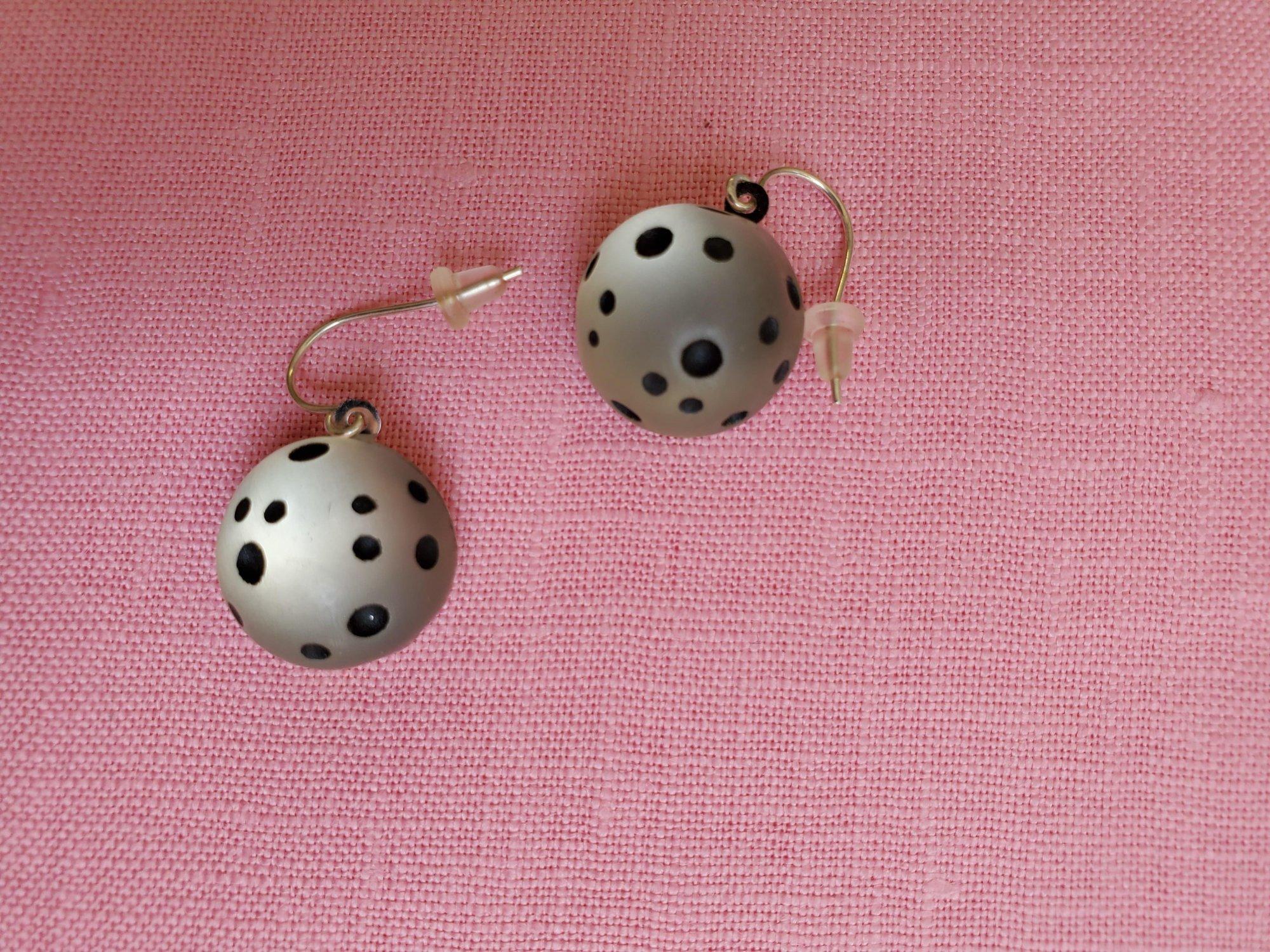 Clear and black pierced earrings-NN-010048
