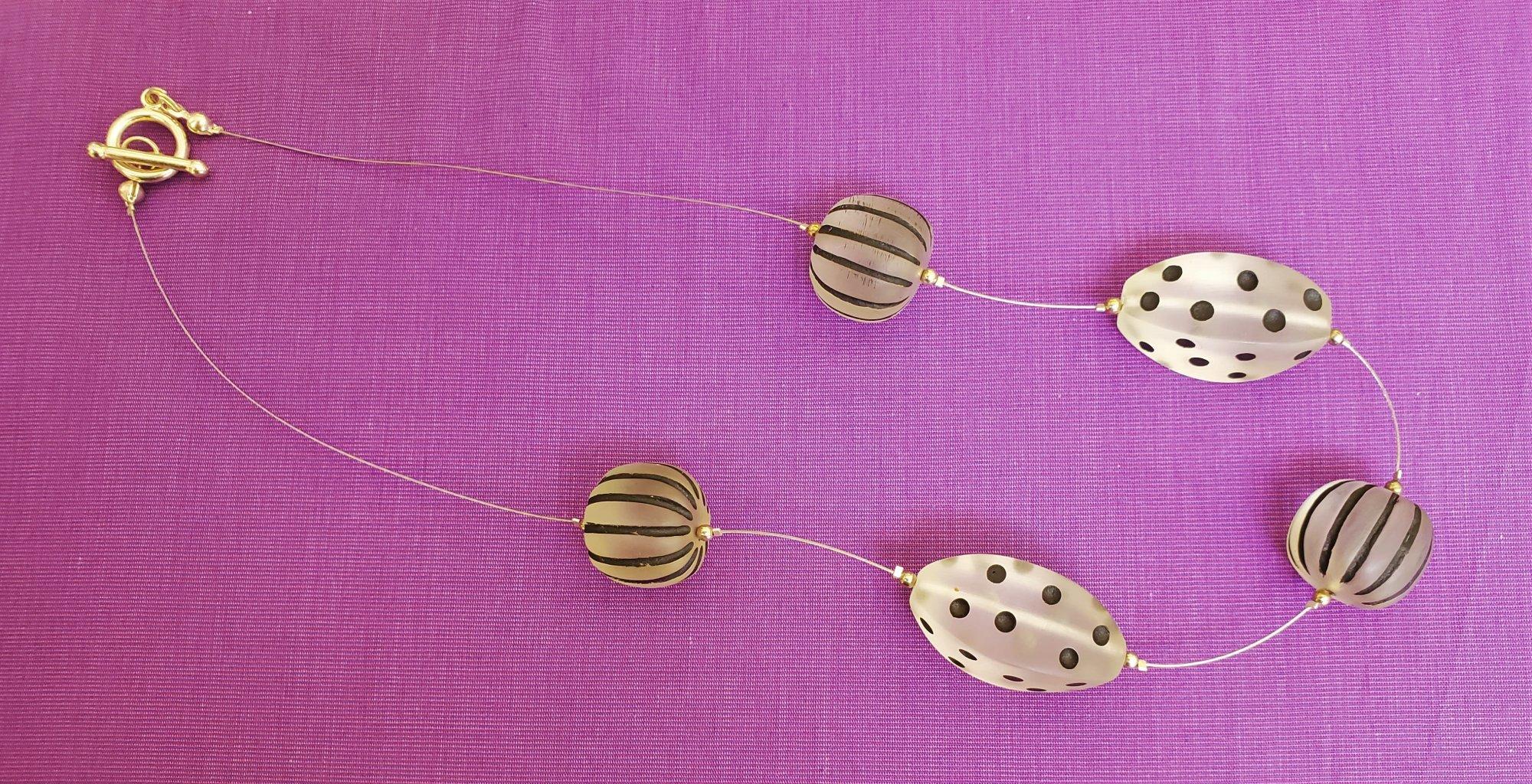Clear and black acrylic necklace-NN-010049