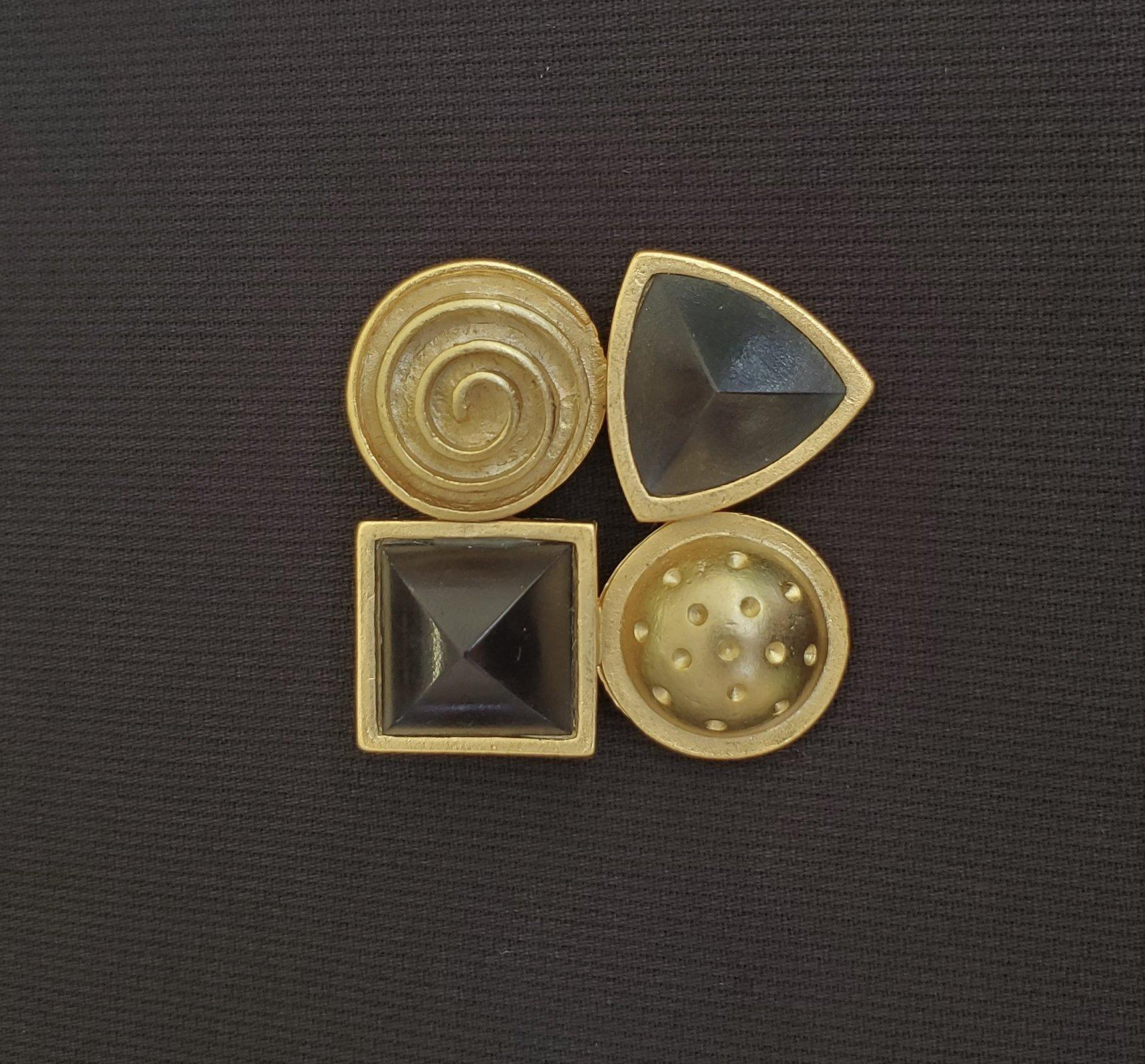 Black and gold pin-NN-010036