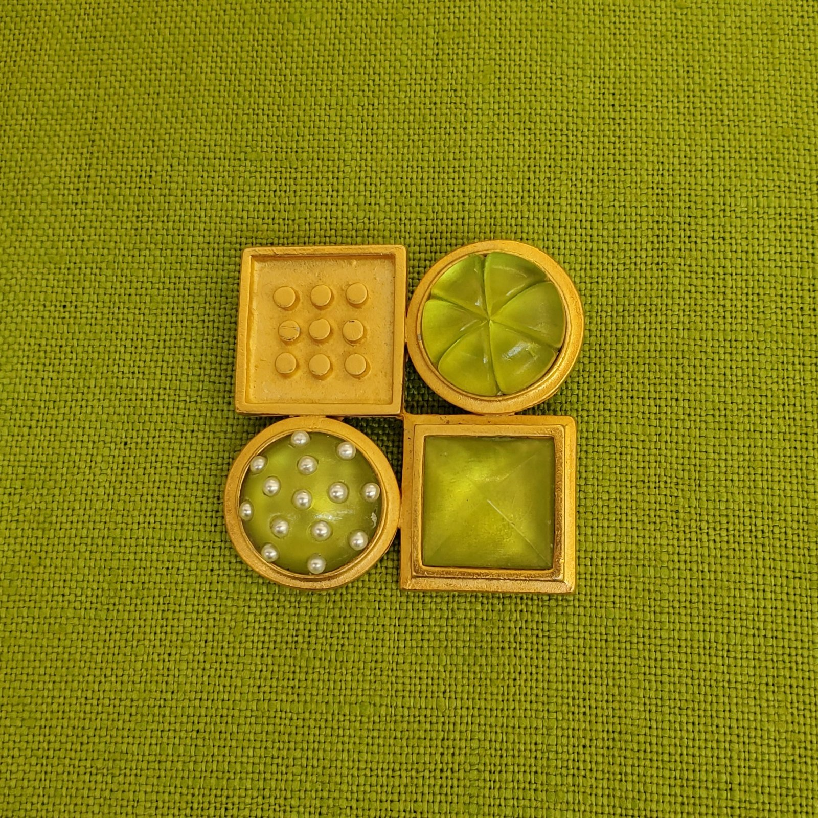 Green and gold pin-NN-010044