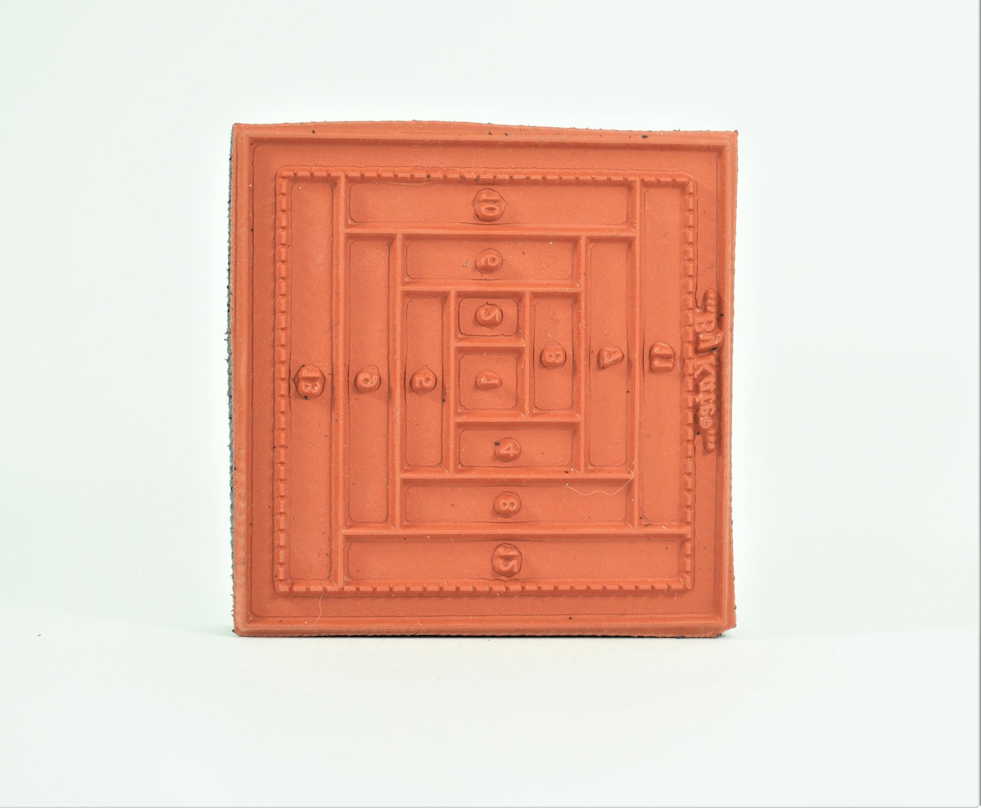Log Cabin Stamp - 3-1/2 inch