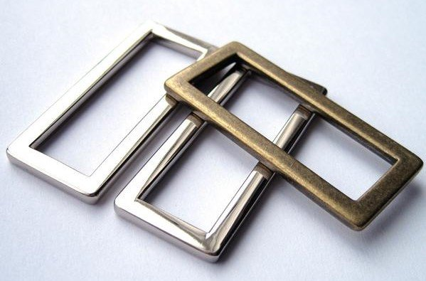 Flat Rectangular Rings 1 1/2 in Antique Brass