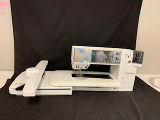 Bernina B880E Sterling Edition