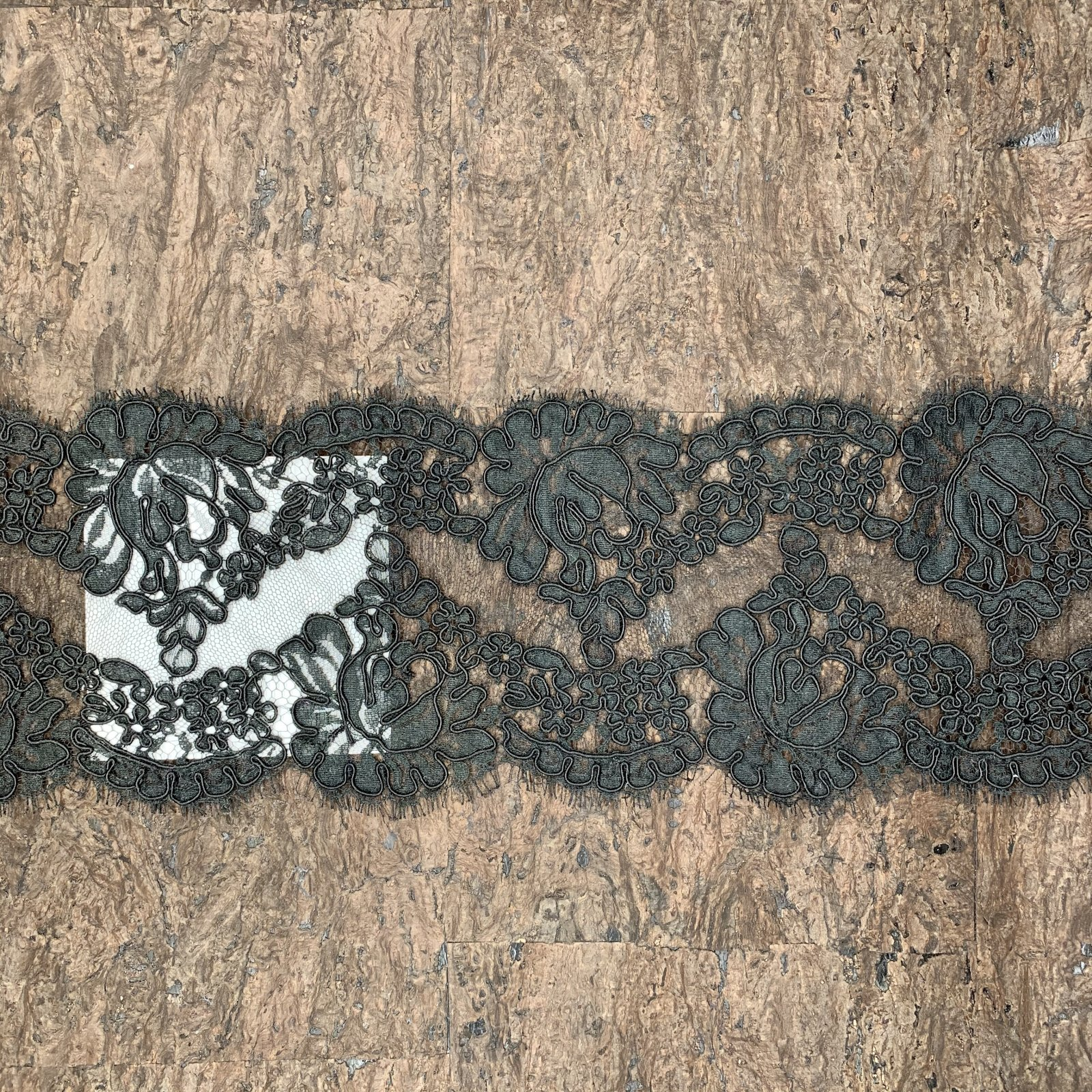 Marilyn - French Lace Trim - 6 wide