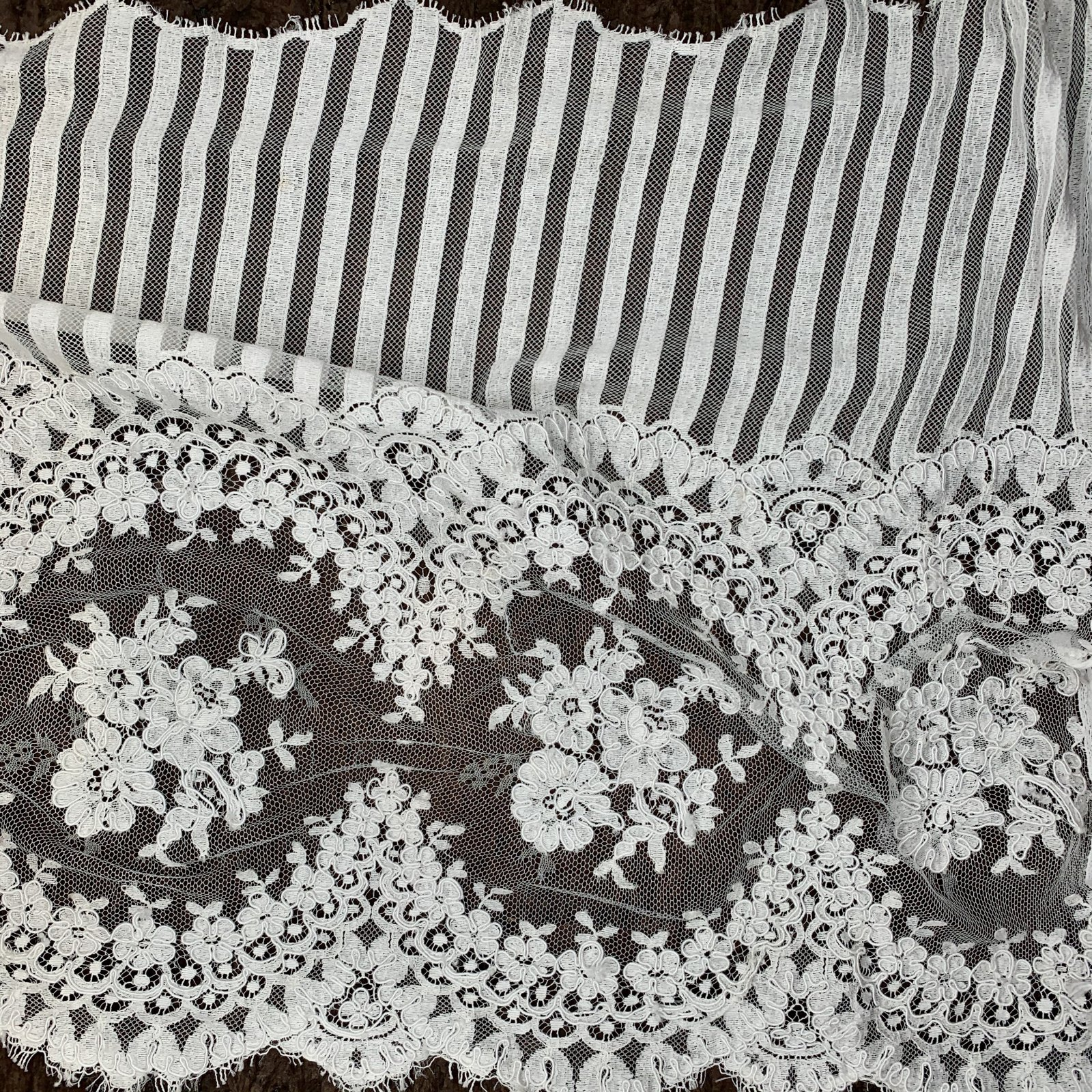 Floral Stripe - French Lace Trim - 18 wide