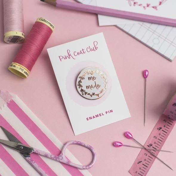 Me Made - White - Pink Coat Club Pin