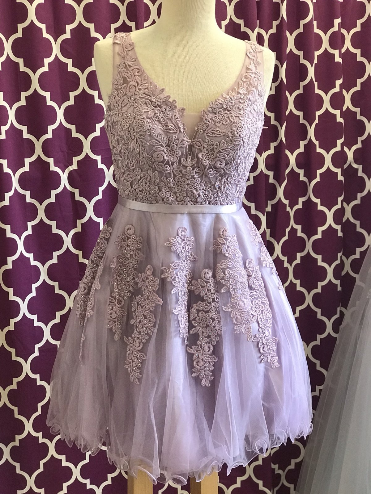 Mauve Sweetheart Neckline Embellished Homecoming Dress
