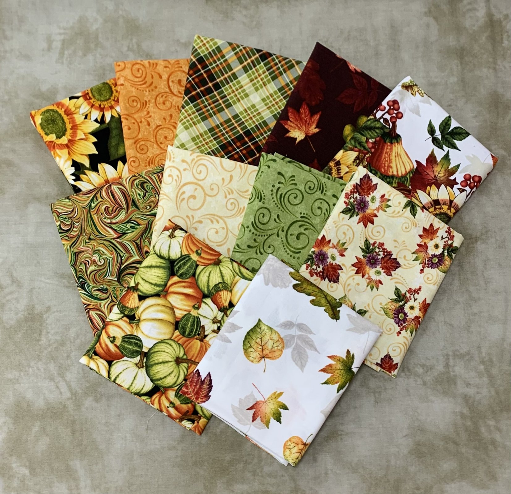 Henry Glass & Co. Pumpkin Harvest 11pc Fat Quarter Bundle