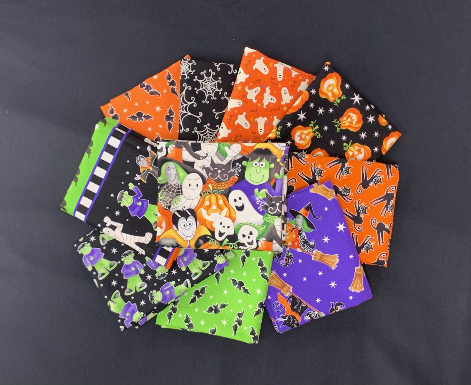 Henry Glass & Co. Here We Glow 10pc Fat Quarter Bundle