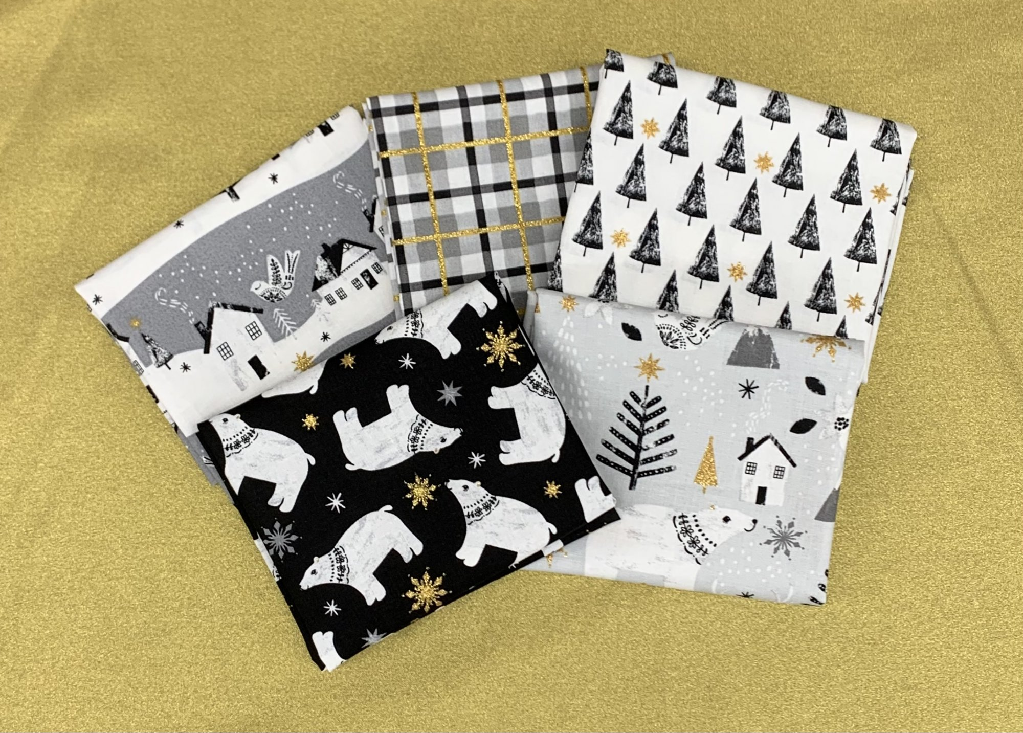 3 Wishes Peace on Earth 5pc Fat Quarter Bundle