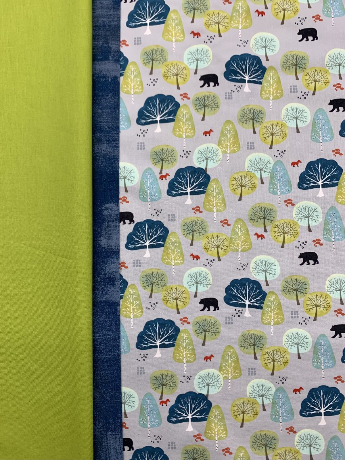 Moda Lakeside Story Pillowcase Kit (Grey)