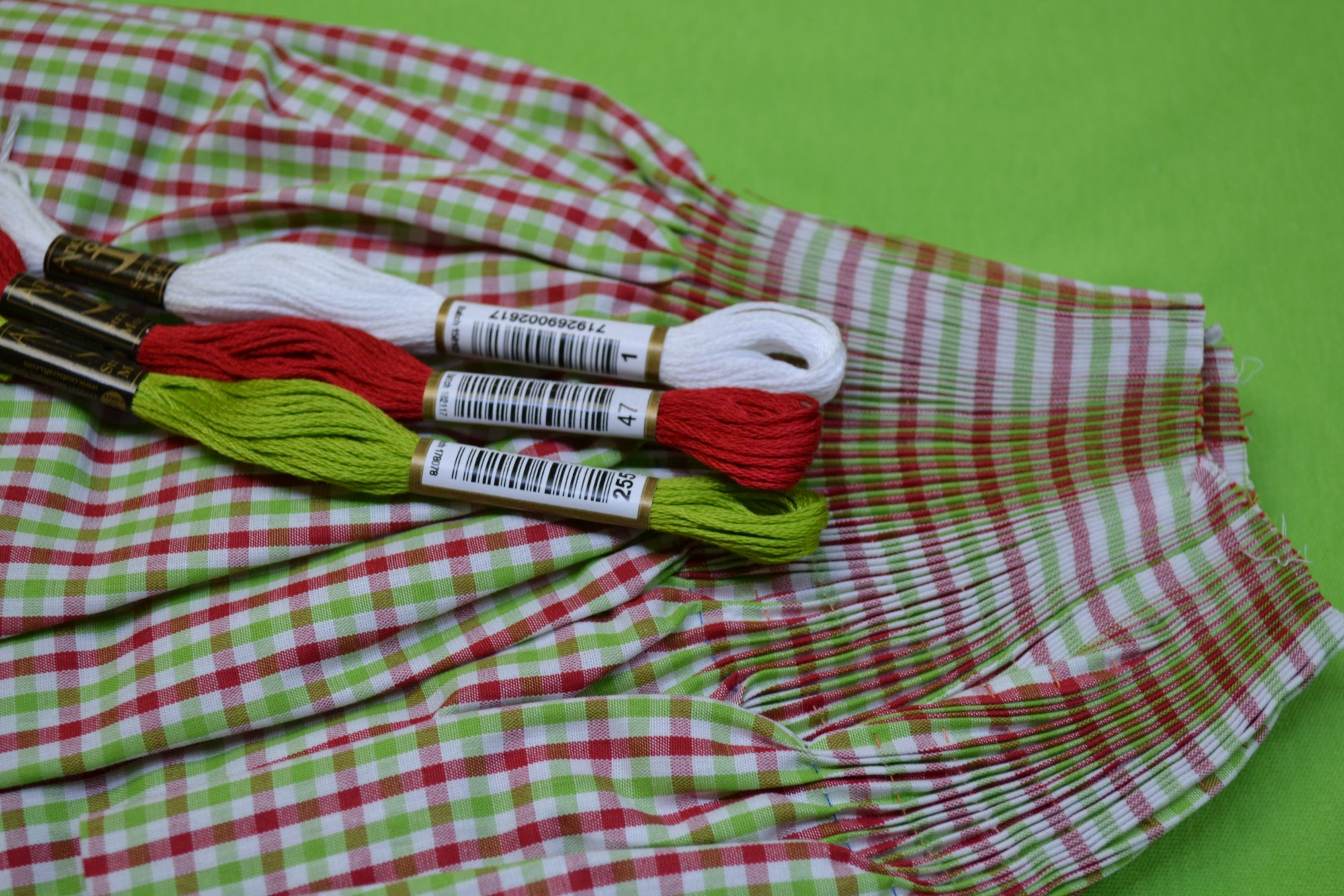 Bishop Kit - Banded Sleeve Red/Green Check 12 months