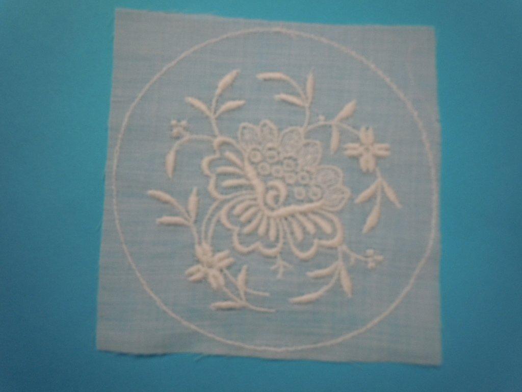 Antique Lace Bonnet Crown 3 6/8 x 3 7/8