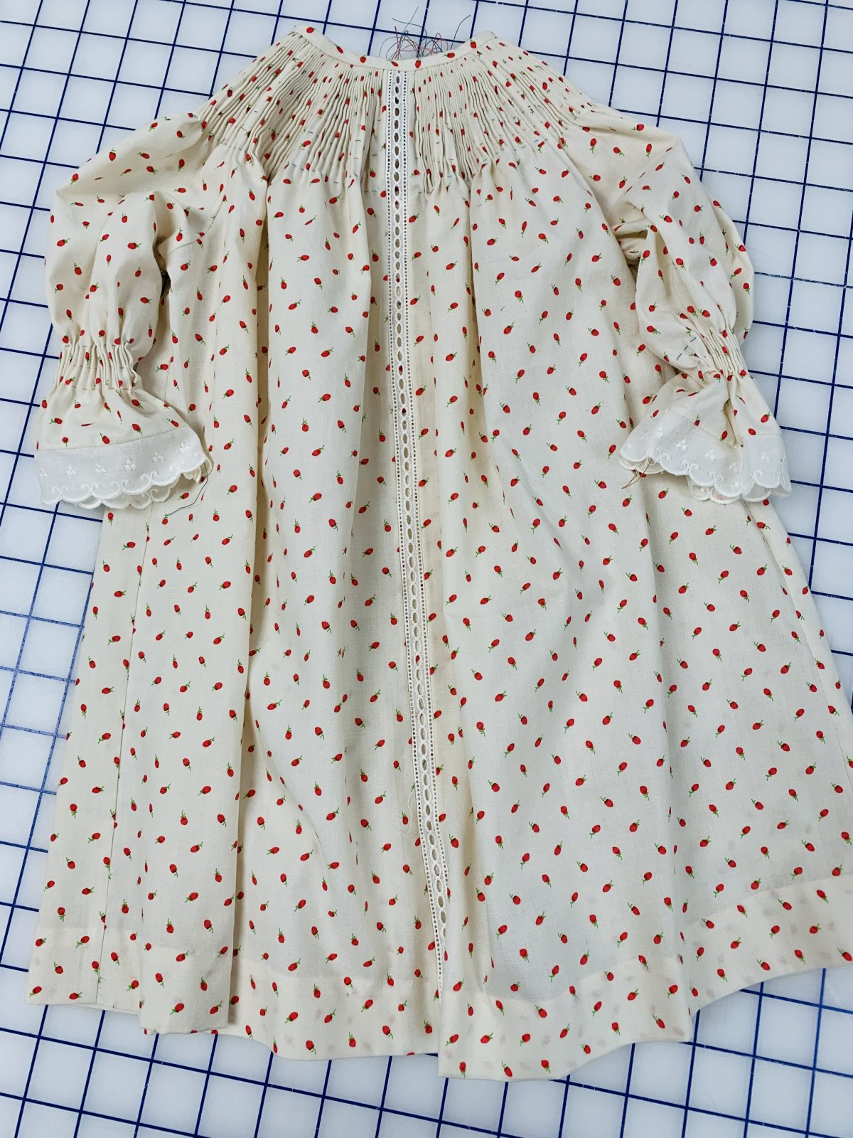 Ready to Smock - Baby Daygown - Red Flower Buds on Ecru - Small