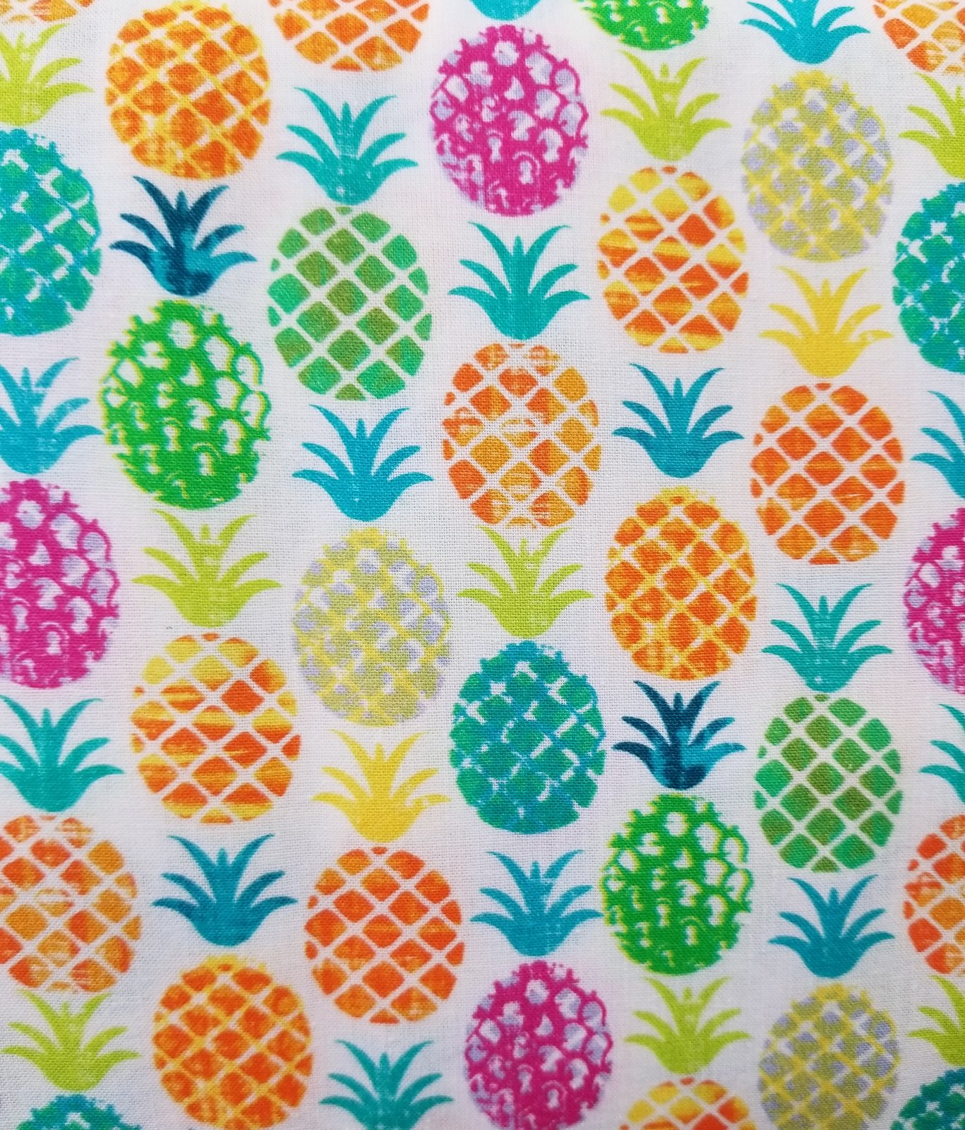 64 Pineapple Print Quilt Backing