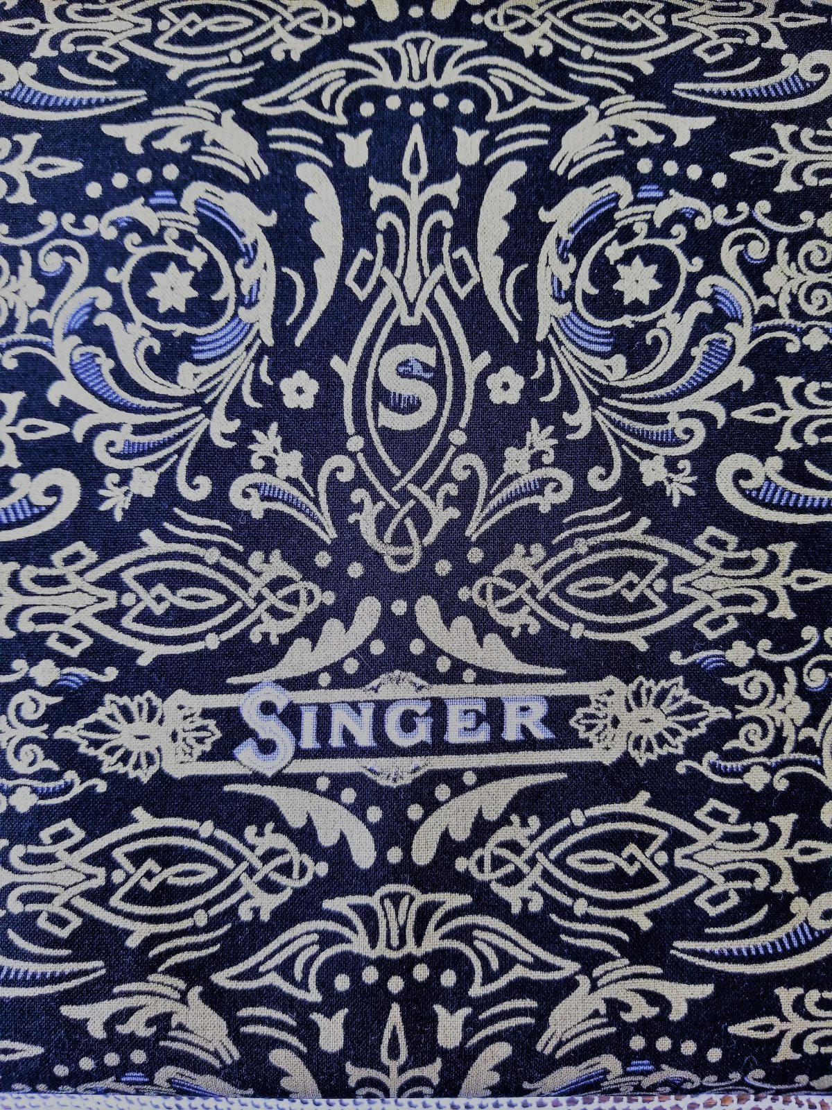 Sewing with Singer Black Background Gold Gild