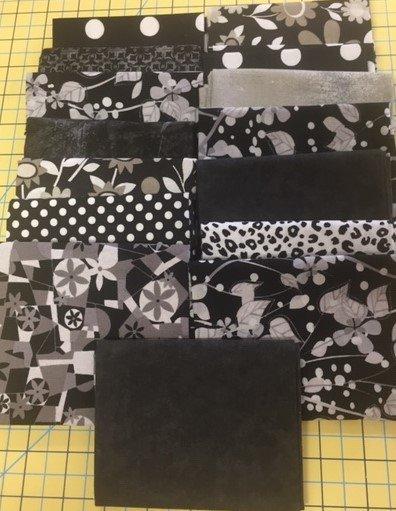 Fat Quarter Bundle (15 Pcs) black/grey