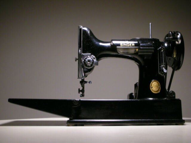 Used Singer Featherweight Machine Black