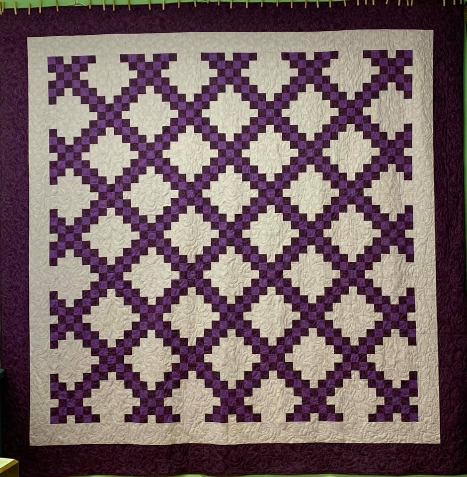 Quilt Double Irish Chain Plum/Lavender