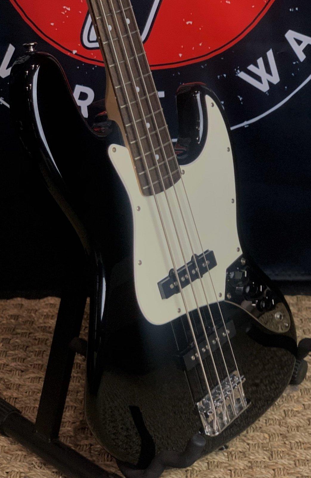 2009 Squier J Bass