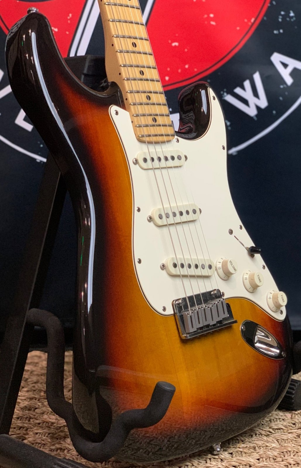1984 Fender Stratocaster USA w/80's Airline Case
