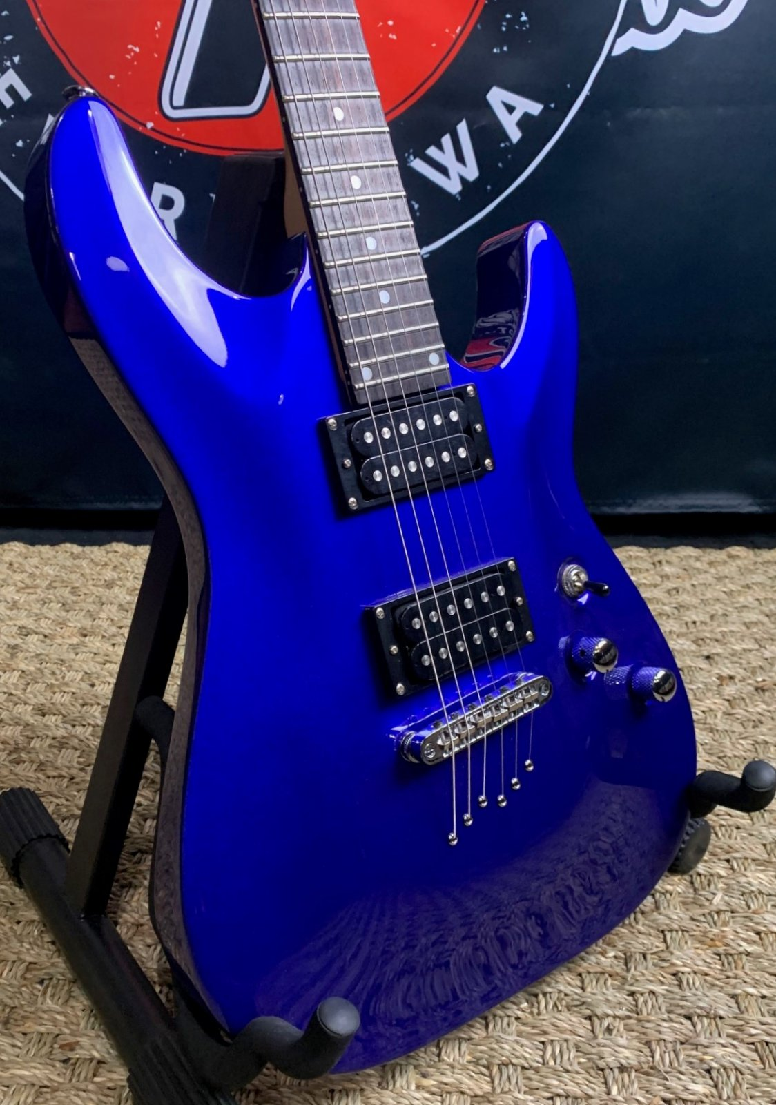 Schecter OMEN-6 Diamond Series