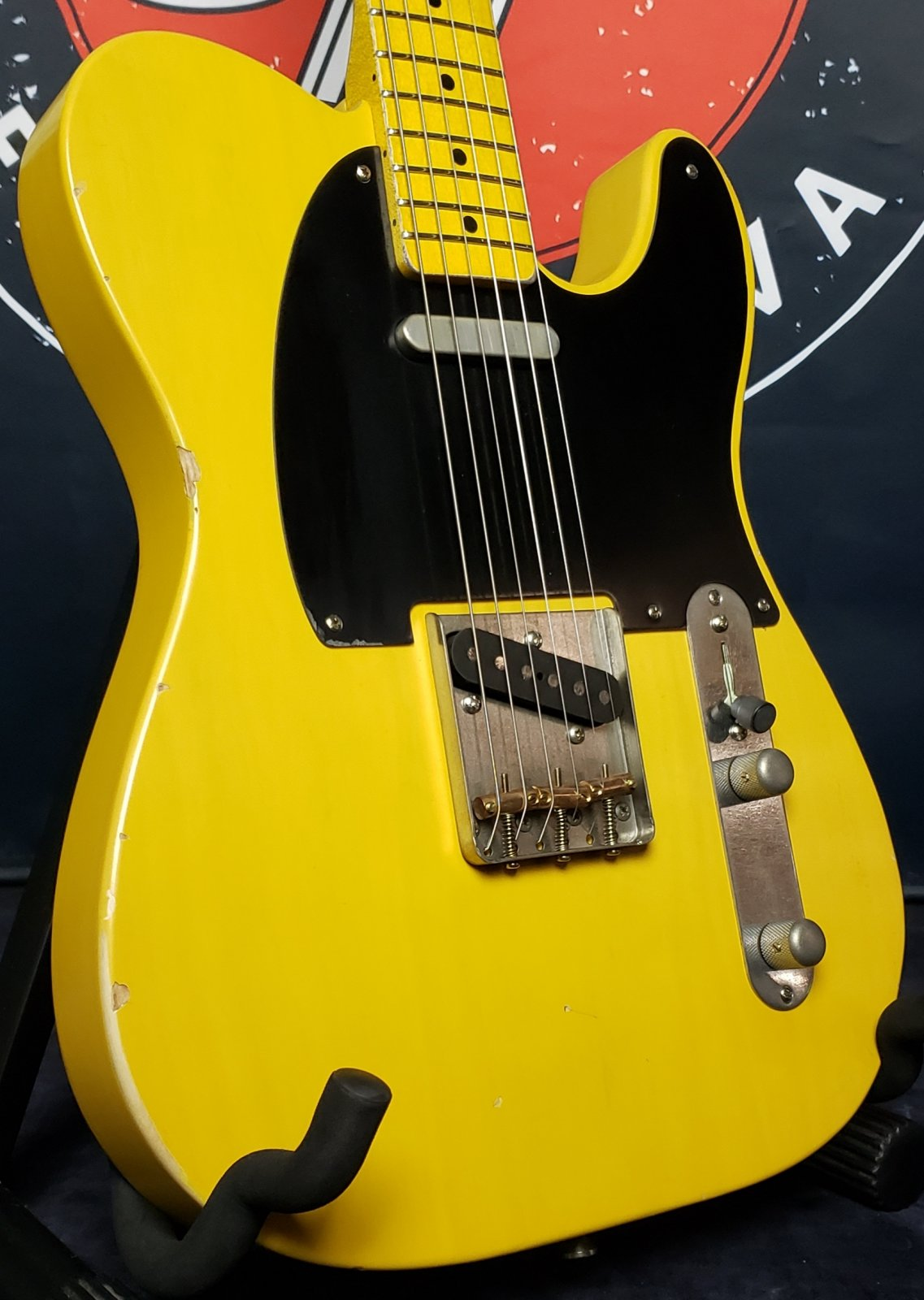 Nash Guitars T-52 Telecaster Butterscotch Blonde V neck