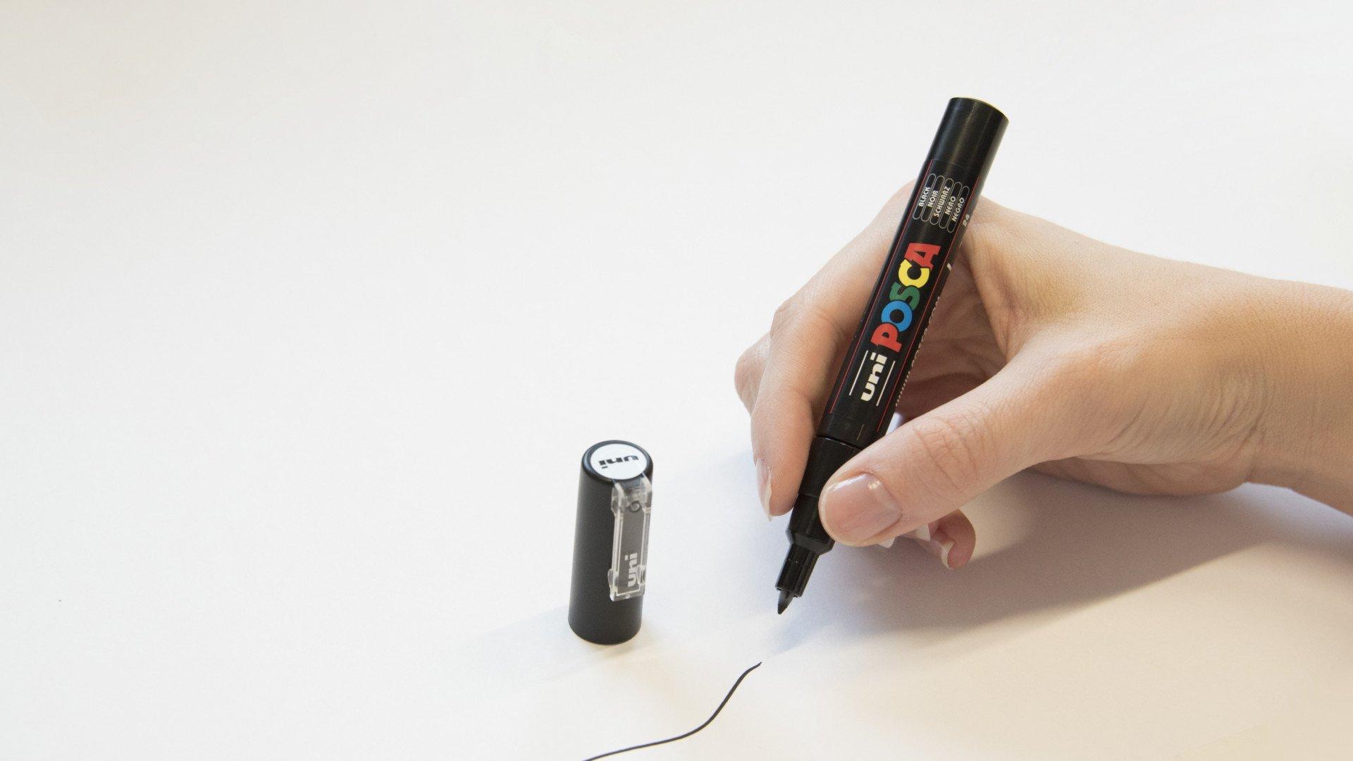 PC-1M Black Posca Paint Marker