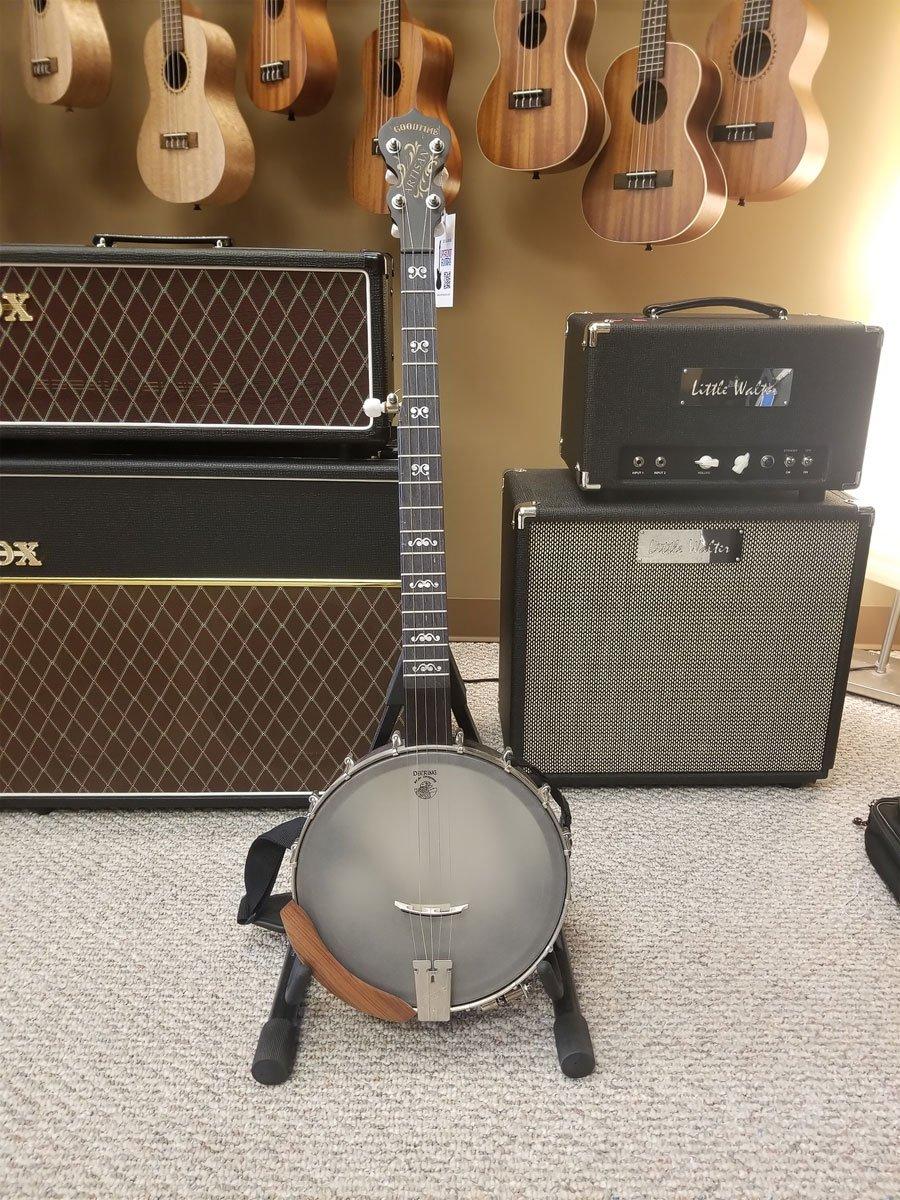 USED Deering Artisan Banjo