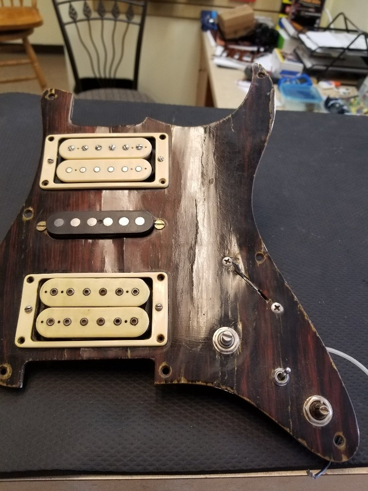 Strat guard with pickups
