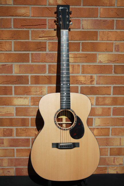 Eastman E20M Orchestra Style Acoustic