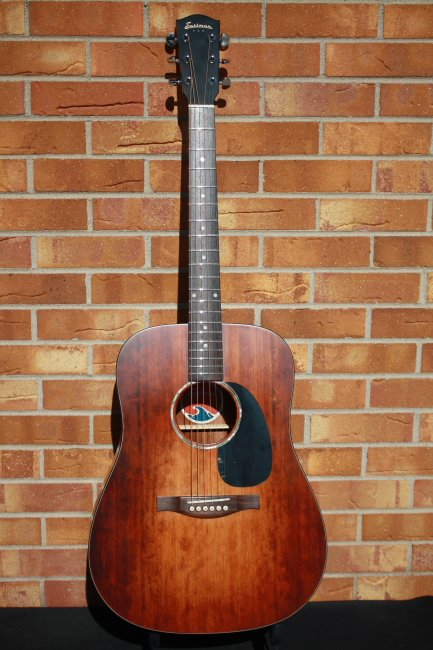Eastman PCH1-D-CLA Dreadnought