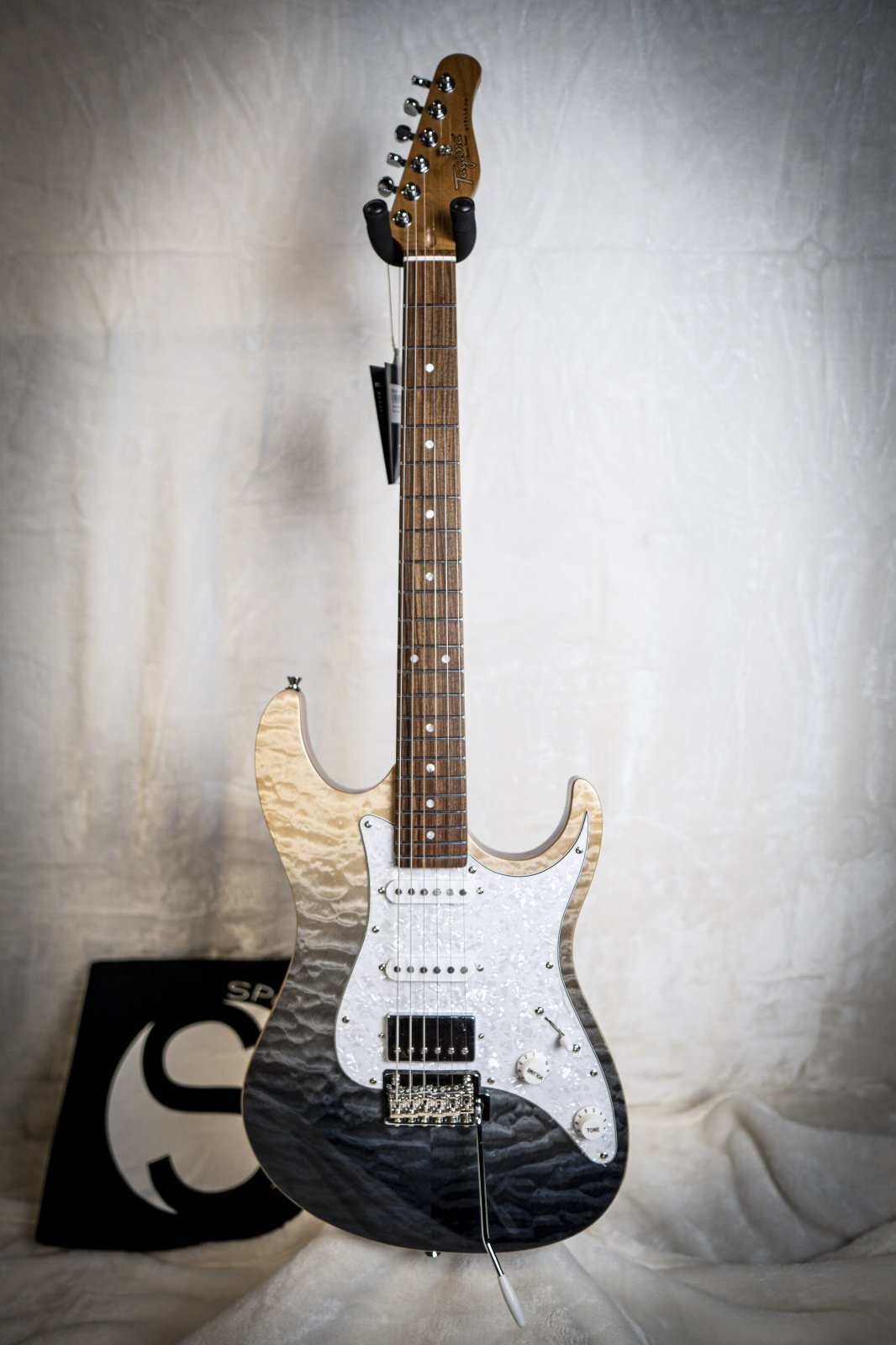 Tagima Stella DW-TBKF-DF/PW Transparent Gray/Black Fade Electric Guitar