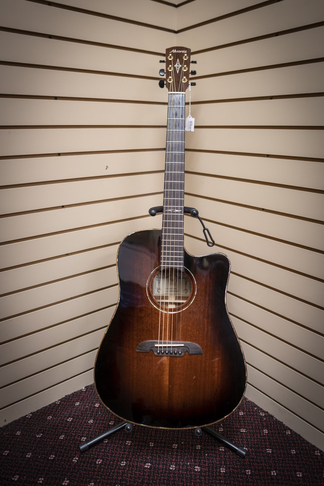 Alvarez MDA66CESHB Masterworks Acoustic Guitar (USED)