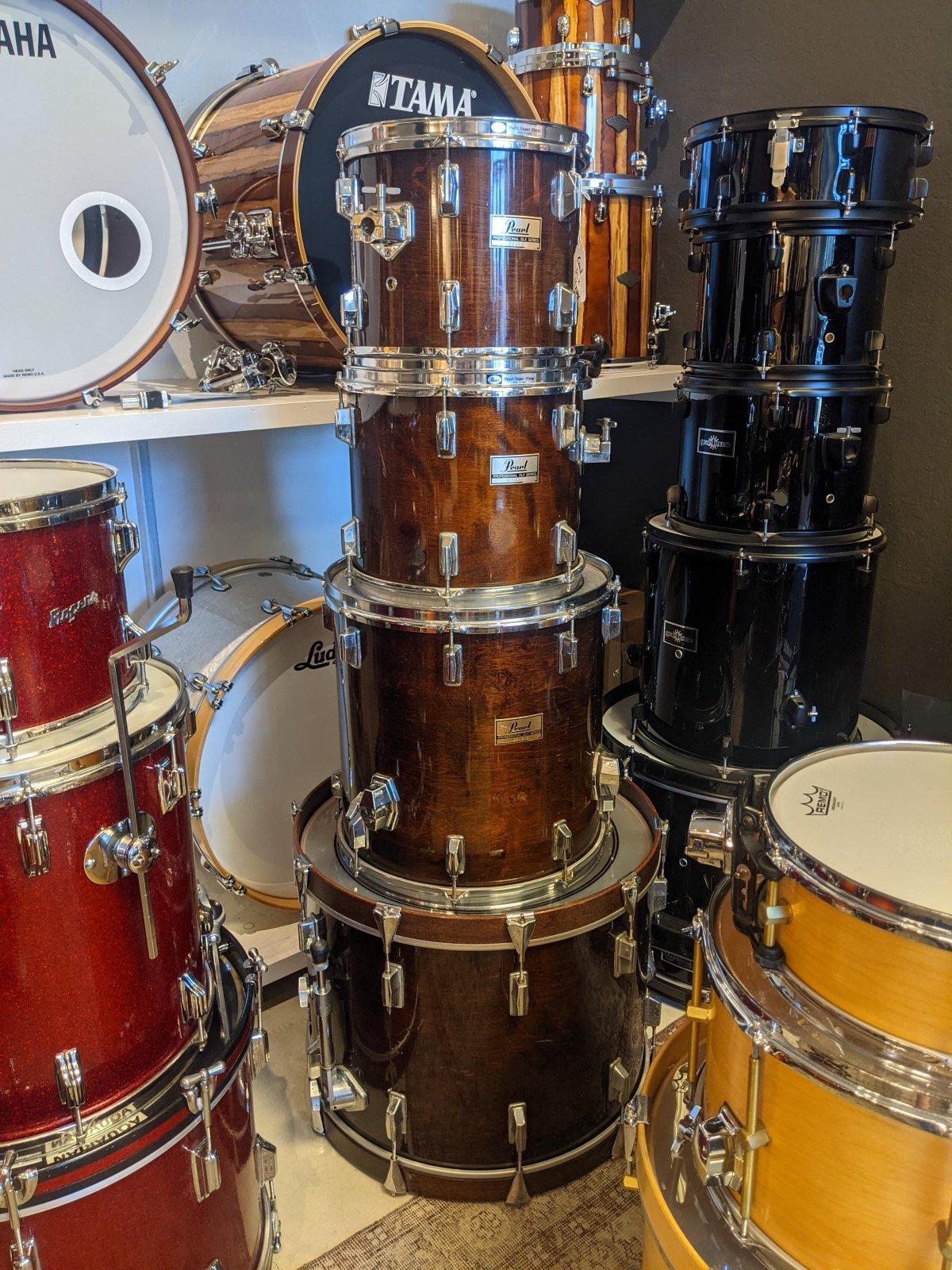Pearl DLX Drum Set 22/12/13/16