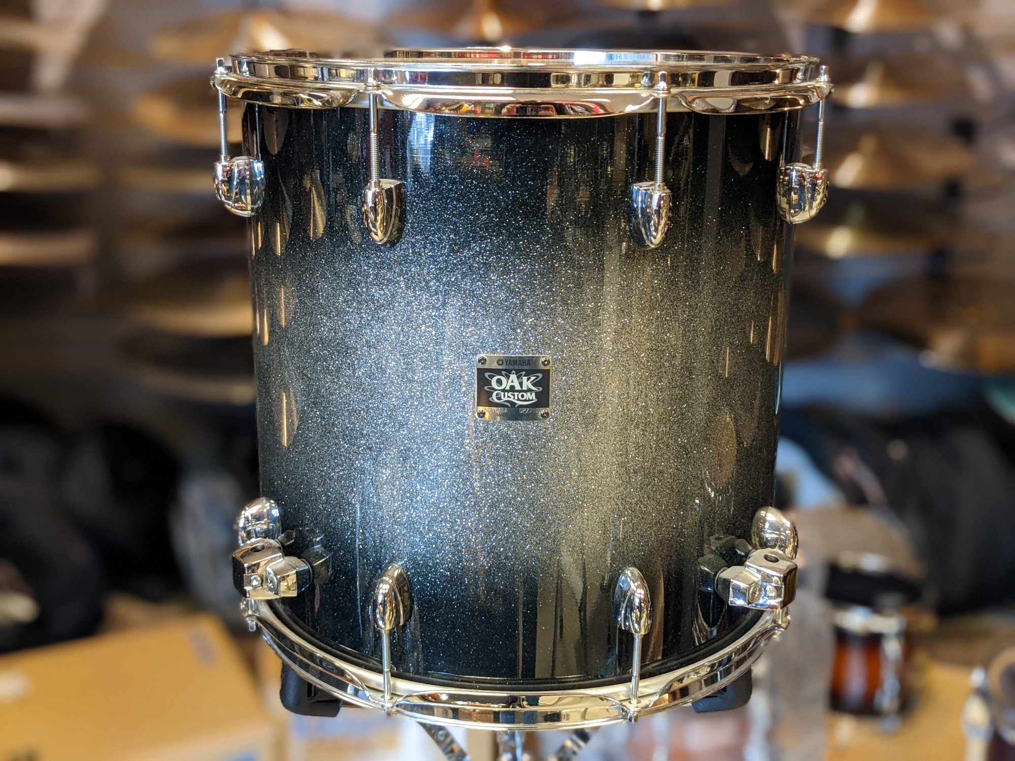 Yamaha Oak Custom Floor Tom Black Sparkle 16 x 16